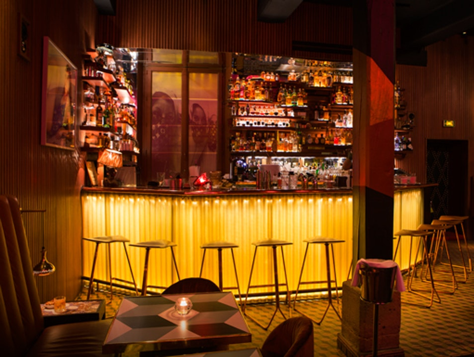 Stellar Sips in a Quirky Setting Paris  France