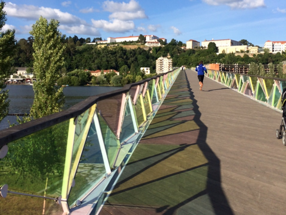 Pedestrian bridge on the Rio Mondego