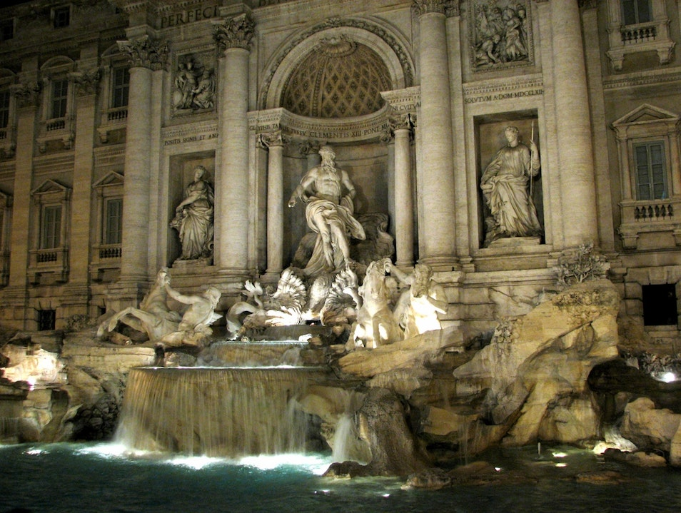 Night shot of Trevi Fountain Rome  Italy