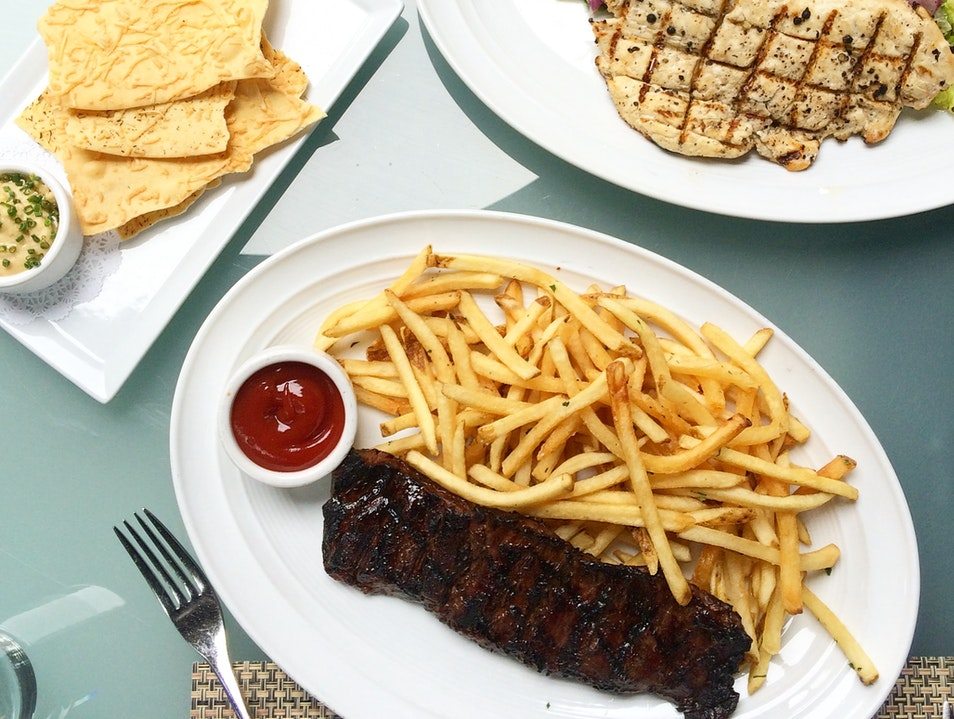 A Secluded Power Lunch At BOA Steakhouse