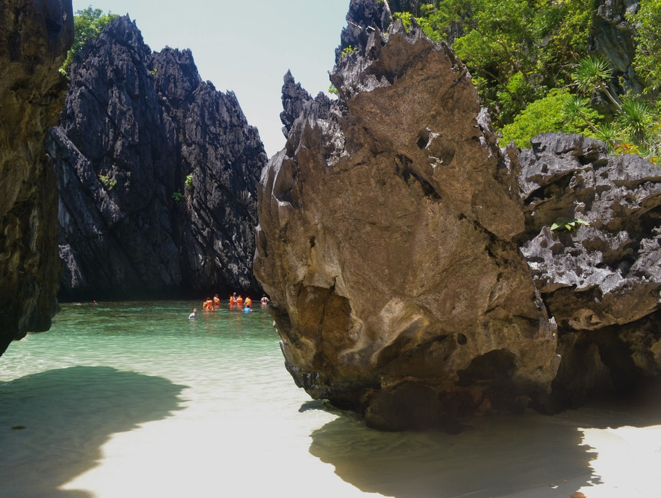 Touring the Islands of Bacuit Bay El Nido  Philippines