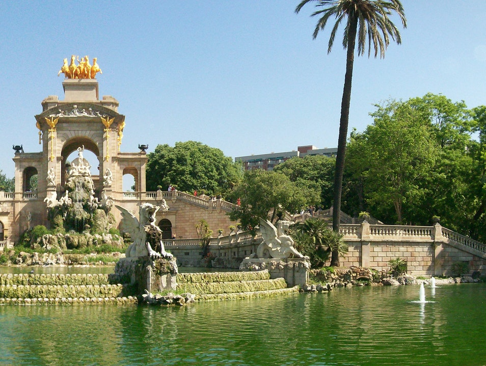Fountains, Zoos, and Museums at Parc de la Cuitadella Barcelona  Spain