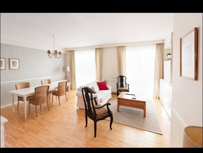 Grand Place 2 BR / Kid Friendly