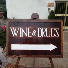 Wine & Drugs Di Pulic B. E Amendola R. Snc