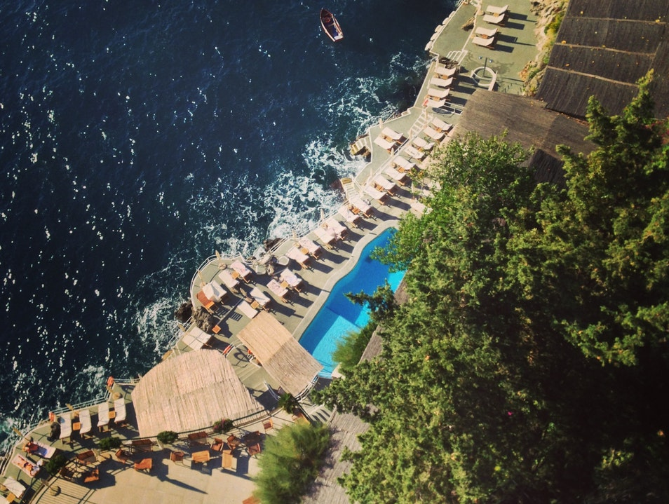 The Dreamiest of Cliffside Hotels in Italy