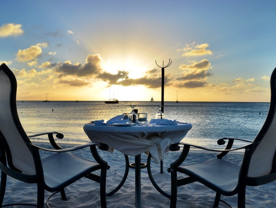 The perfect romantic dinner on the beach in Aruba