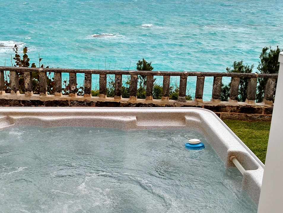 Hot Tub Chilling at Sandpiper Cottage   Bermuda