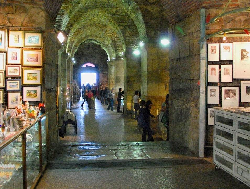 Shopping Under the Palace Split  Croatia