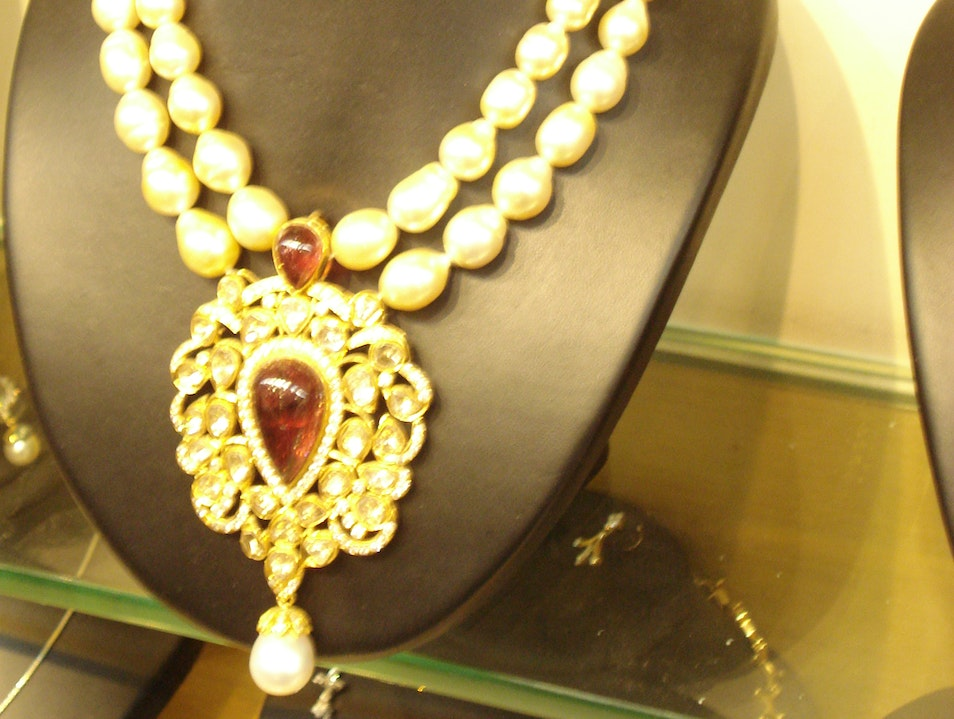 Pearl Shopping in Hyderabad