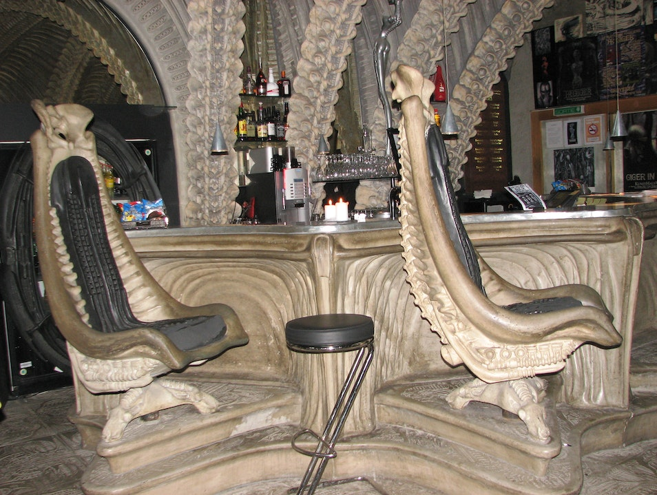 Alien movie - bar