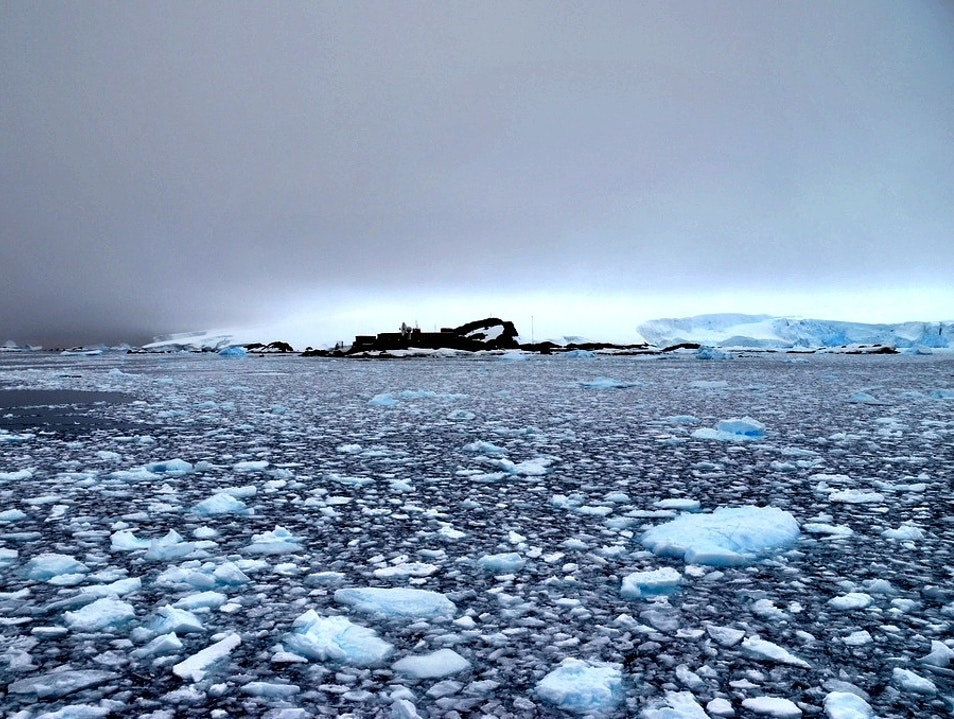 Visit an Antarctic Base   Antarctica