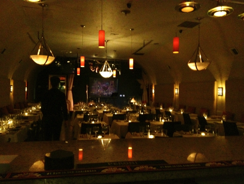 Catharsis Restaurant: Dining in the Dark