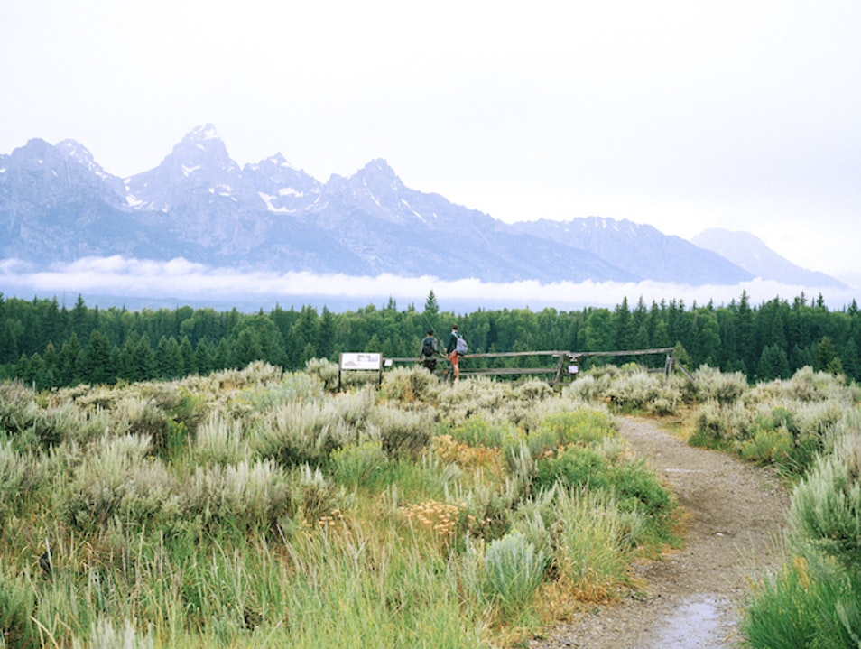 Explore Lakeside at Jenny Lake Lodge in Grand Teton National Park, Wyoming Alta Wyoming United States