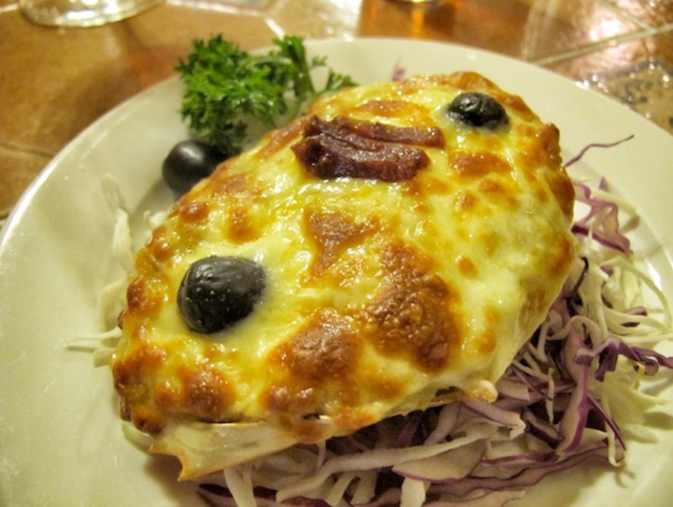 Old Portuguese restaurant with Macanese specialties