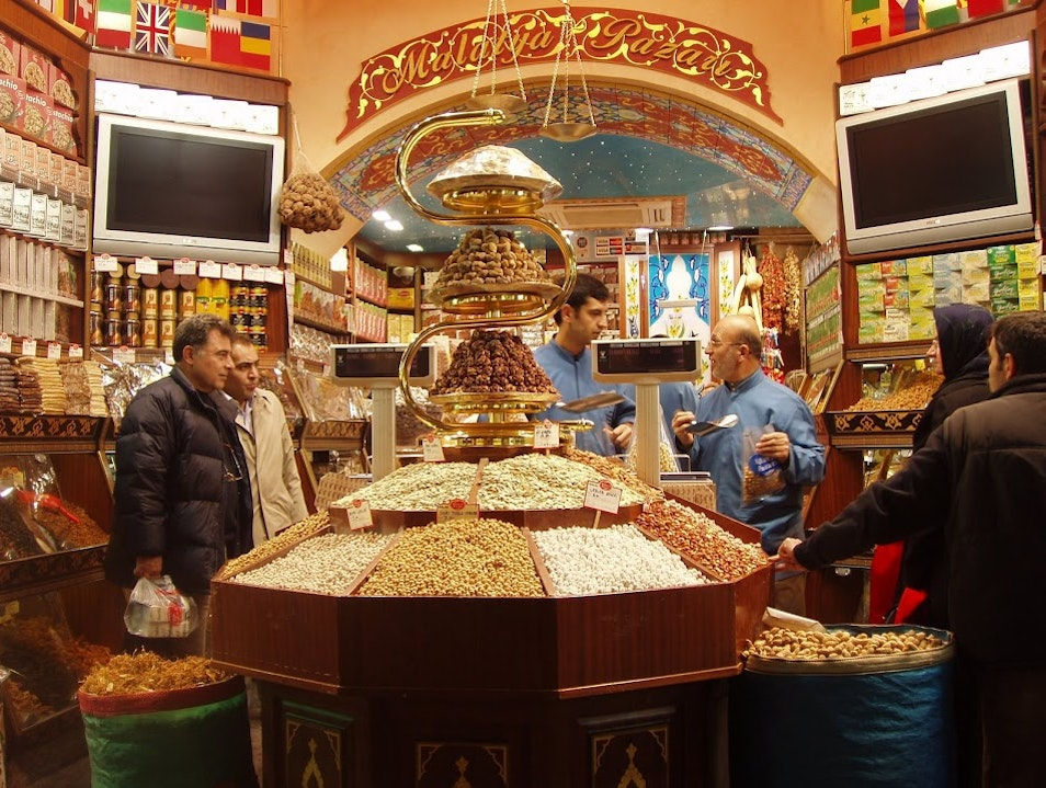 Grand Bazaar, Arguments over Nuts Istanbul  Turkey