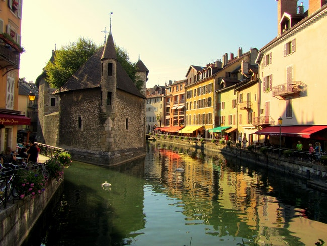 A Sensory Experience in Annecy