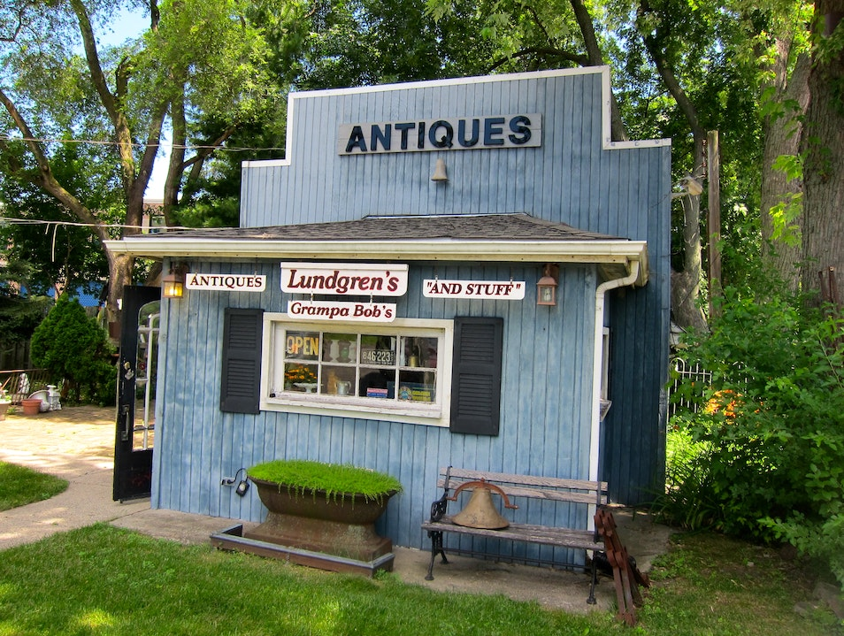 Lundgren's Antiques Wheeling Illinois United States