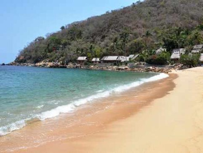 Yelapa: A Mexican Village that Got Electricity Eight Years Ago