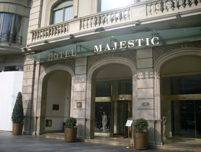 Go 5 star at a historic Barcelona hotel