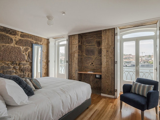 Sound sleep with river views in Porto