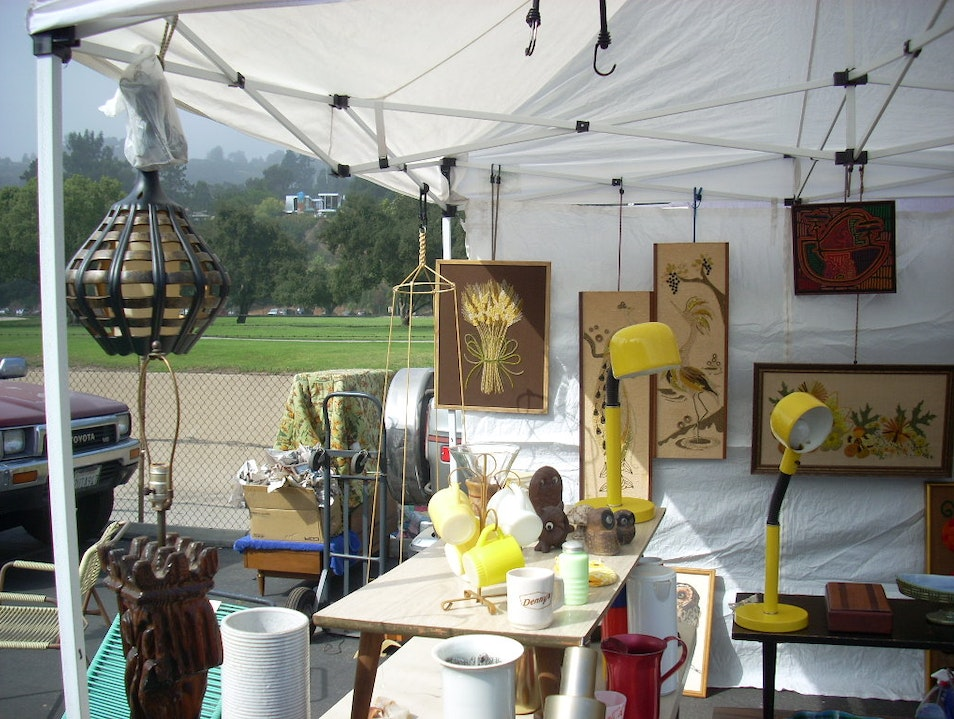 Rose Bowl Flea Market, Pasadena Pasadena California United States