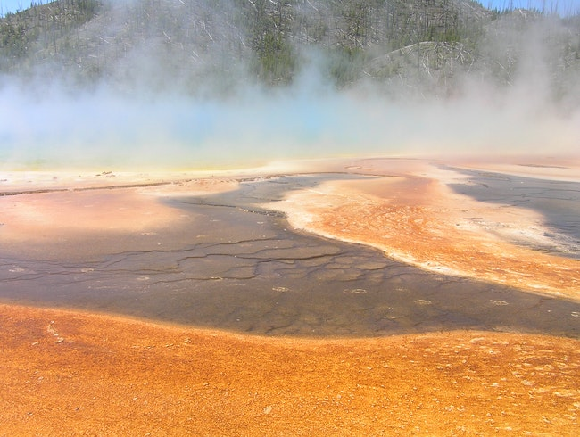 Geysers and hot water