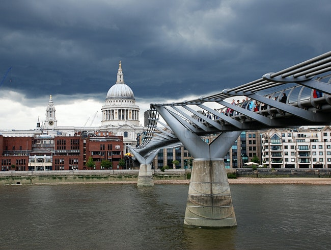 Modernity & History: St. Paul's Cathedral and Millennium Bridge