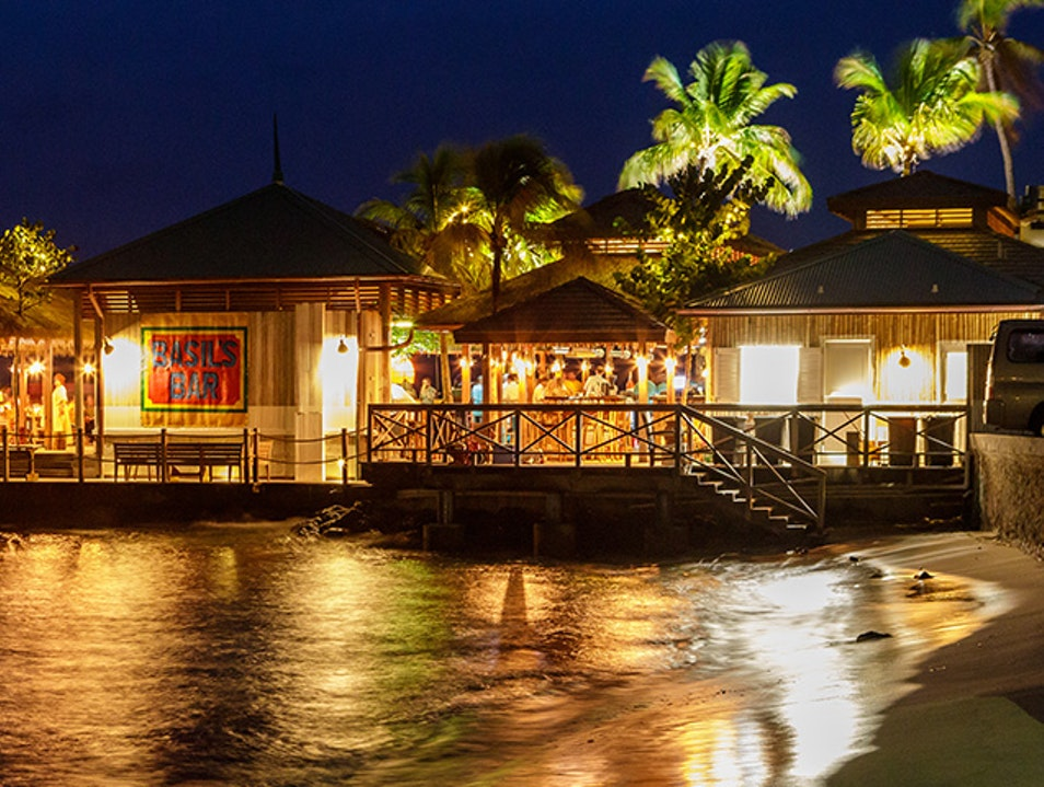 Basil's Bar, Mustique Lovell  Saint Vincent and the Grenadines