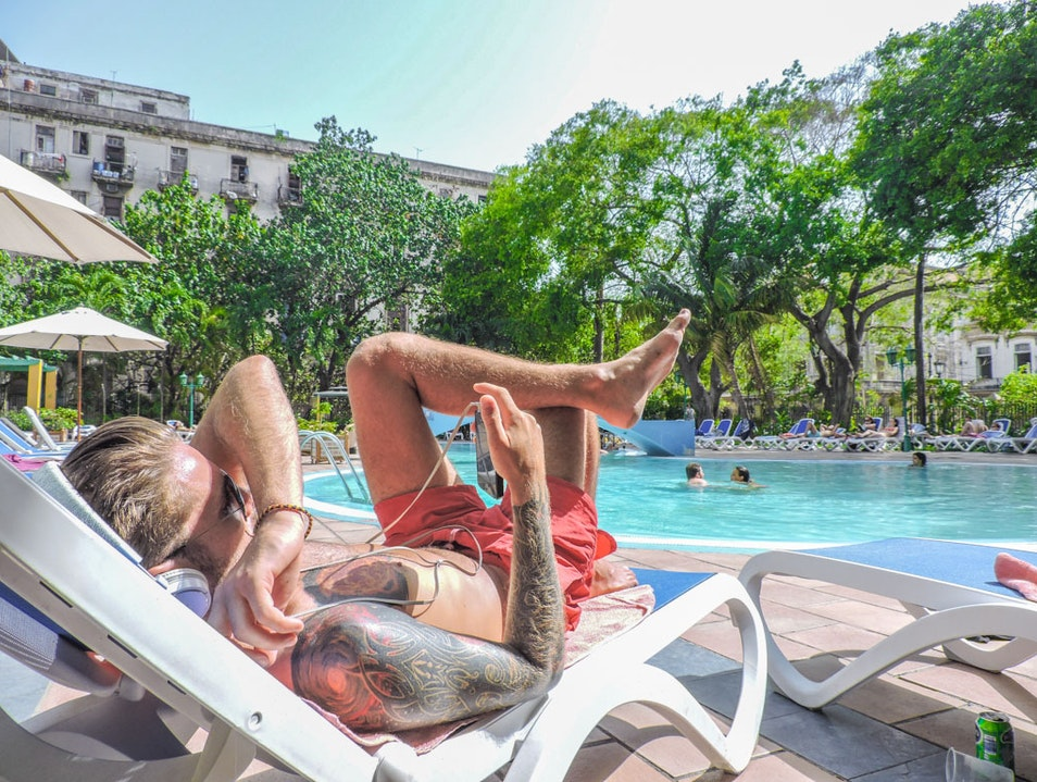 Stay connected - WiFi and Internet in Cuba, in style