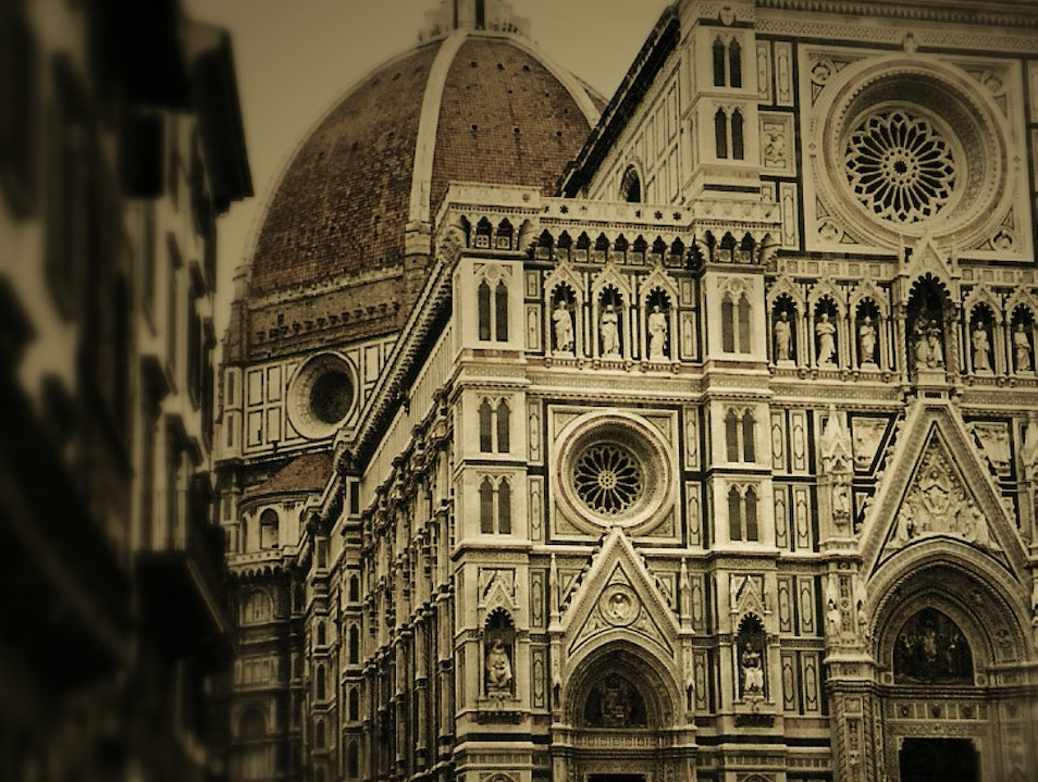 Brunelleschi looming...'great sinners, great cathedrals' Florence  Italy