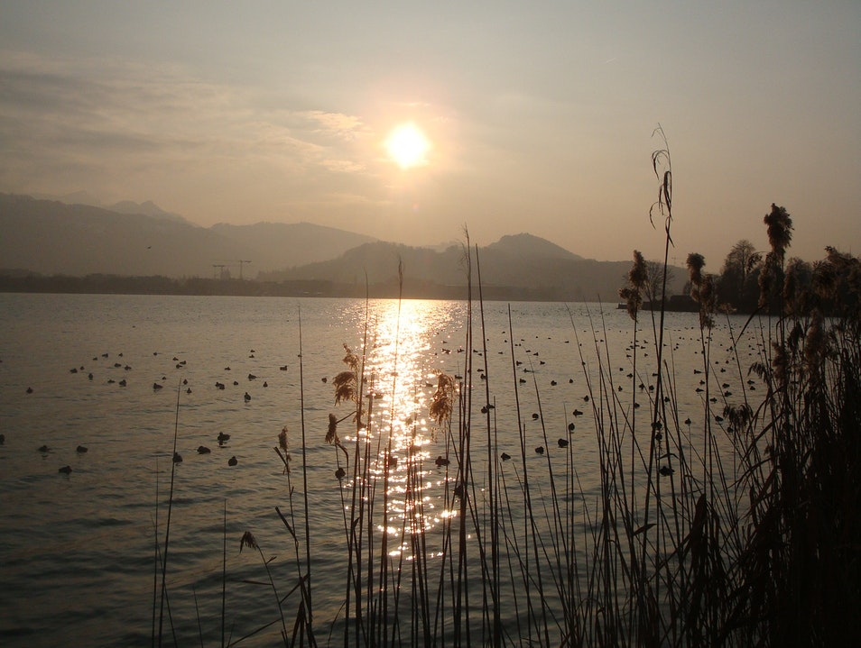 The sun bids farewell to the Vierwaldstättersee