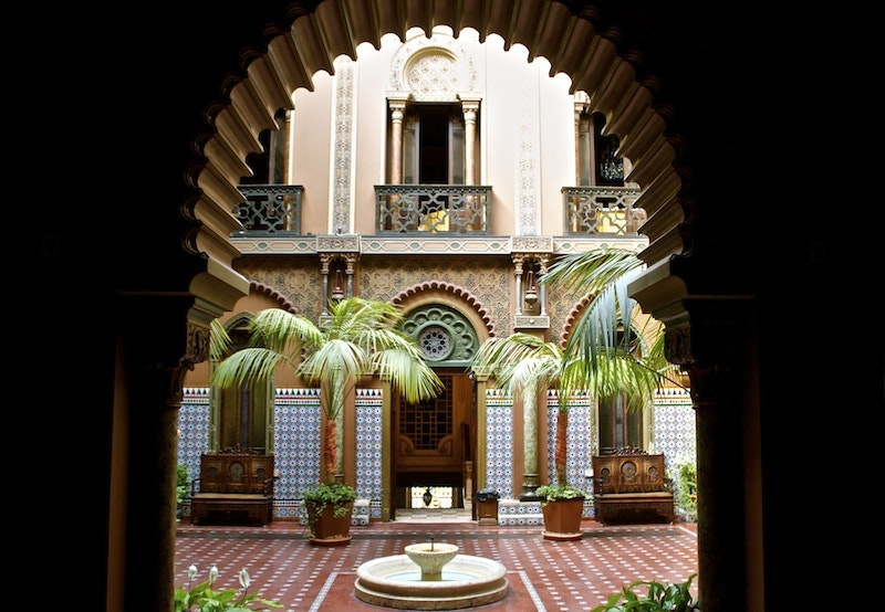 eat dinner in a former moorish palace