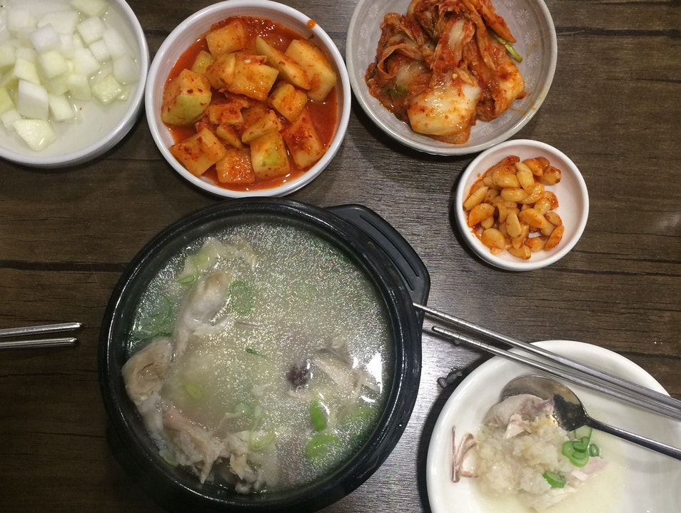 A restaurant devoted to one of Seoul's classic dishes
