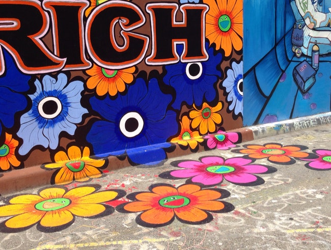 Murals And Graffiti Art In The Mission District