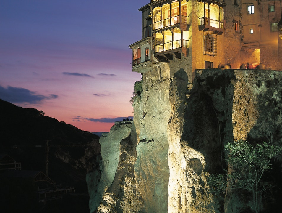 Cliffhangers, literally, in Cuenca