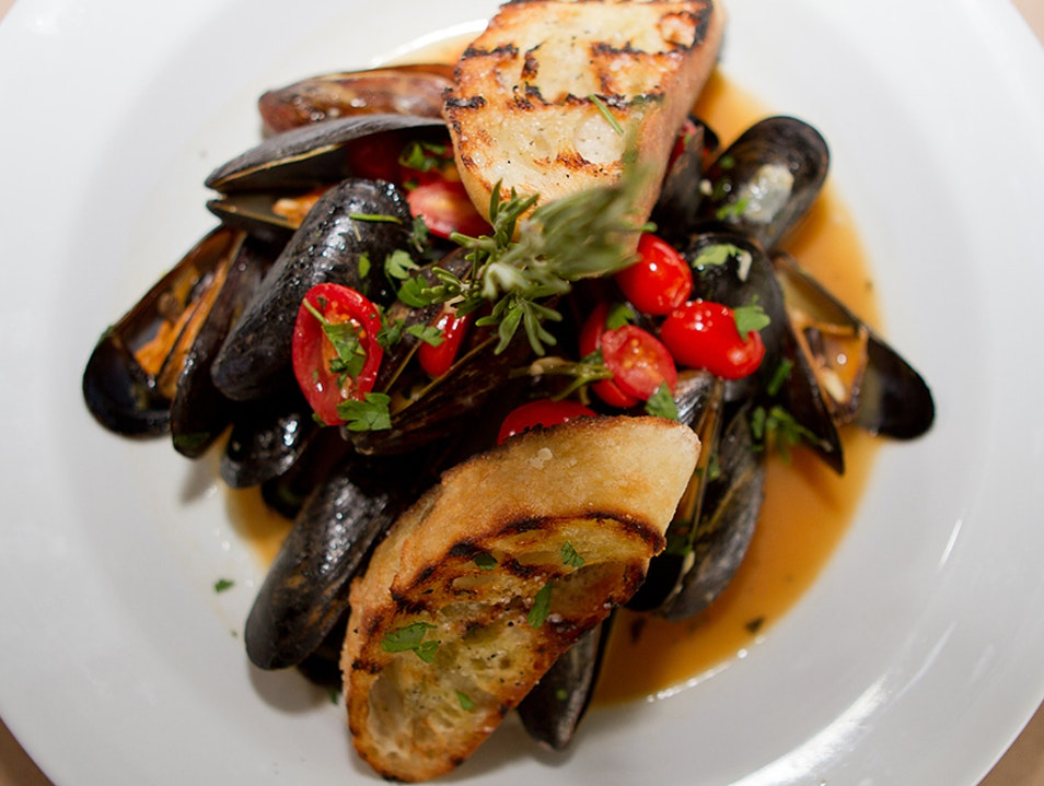 Italian-Oriented Seafood in a Relaxed Environment