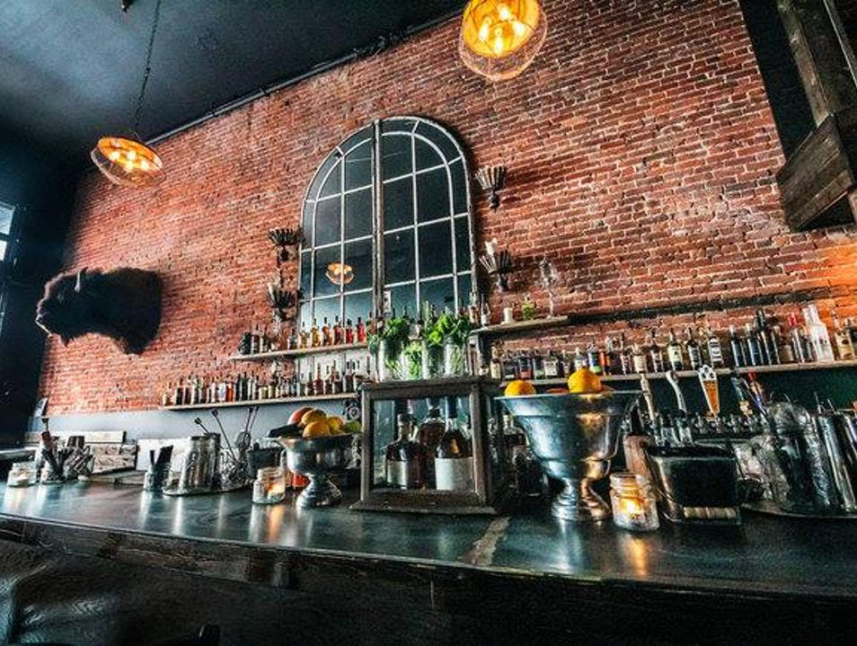 Crafty Cocktails at Frauds and Swindlers