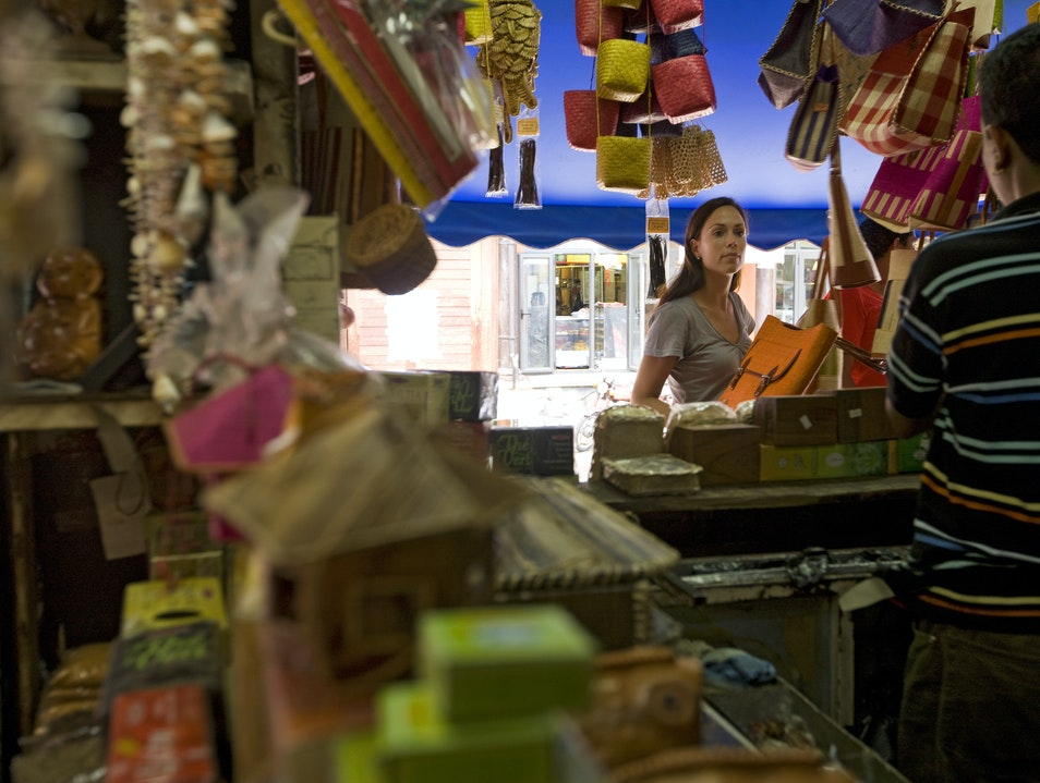 Find the perfect sarong at the Mahebourg Market