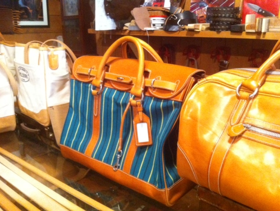 Hand crafted leather bags and accessories Rome  Italy
