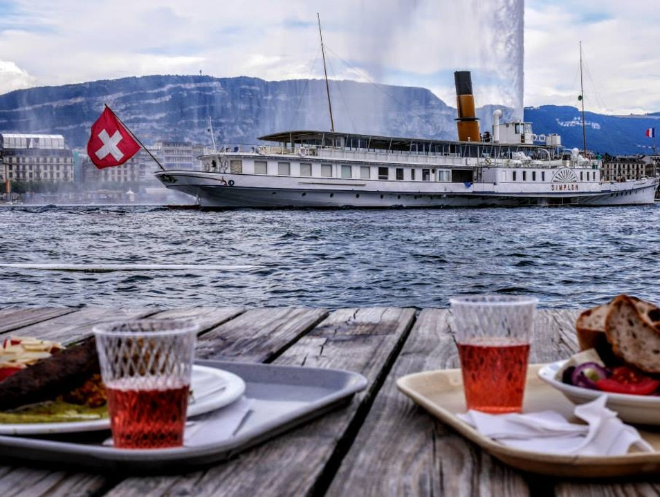 Swimming and a casual meal with friends Genève  Switzerland