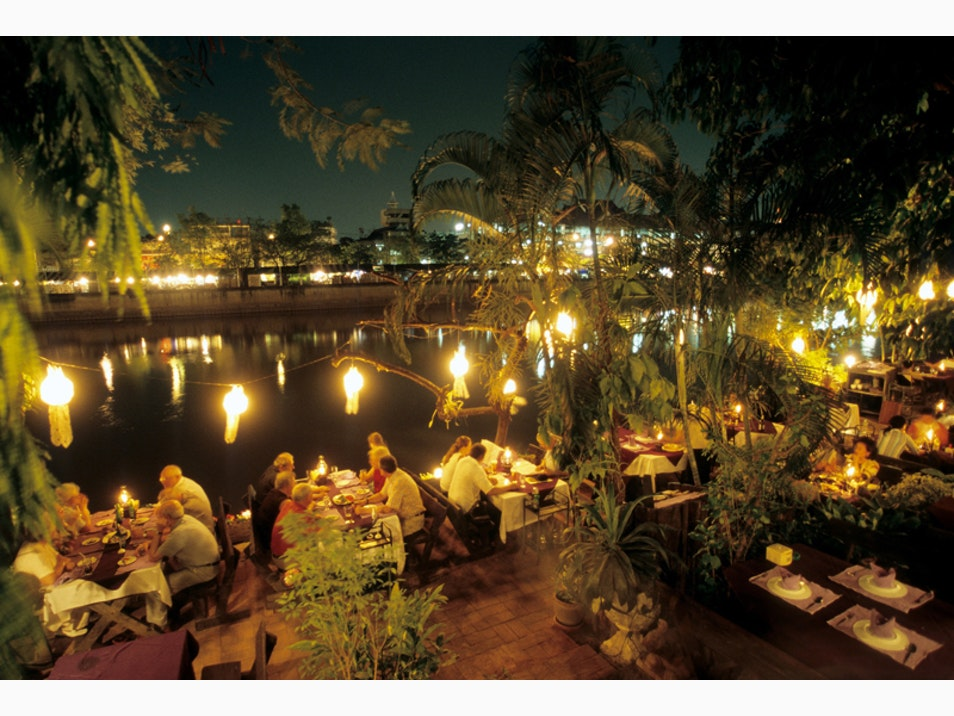 Fine Dining along the River