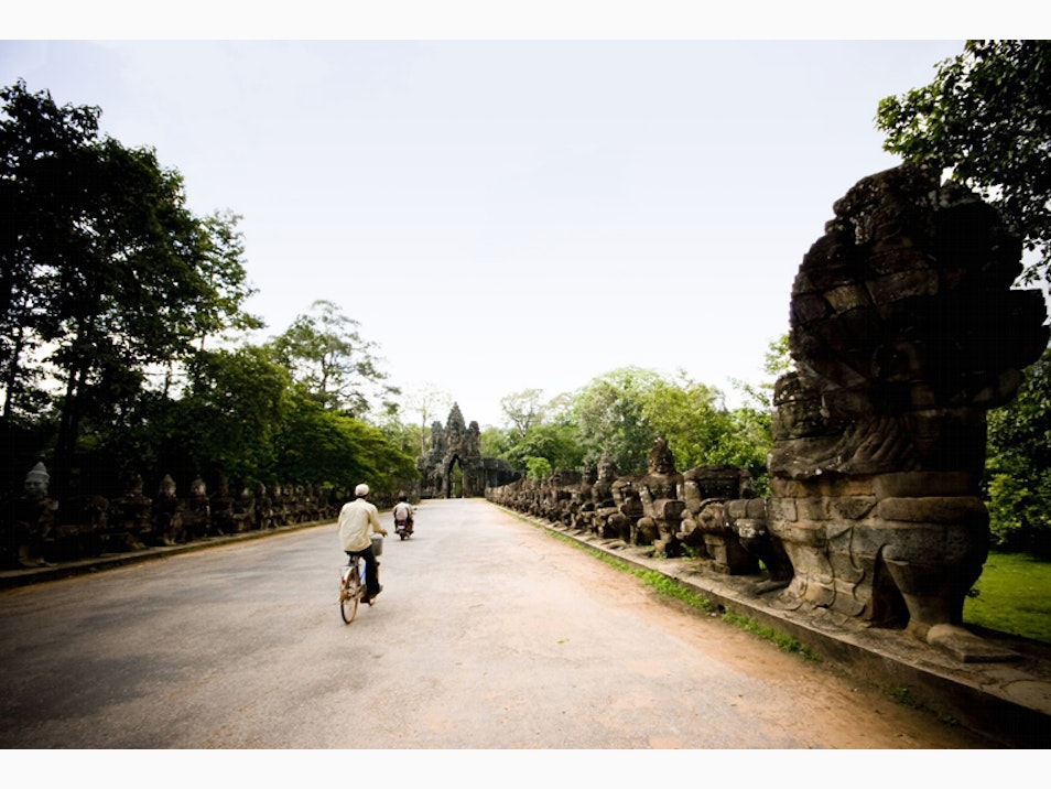 Cycle around Angkor