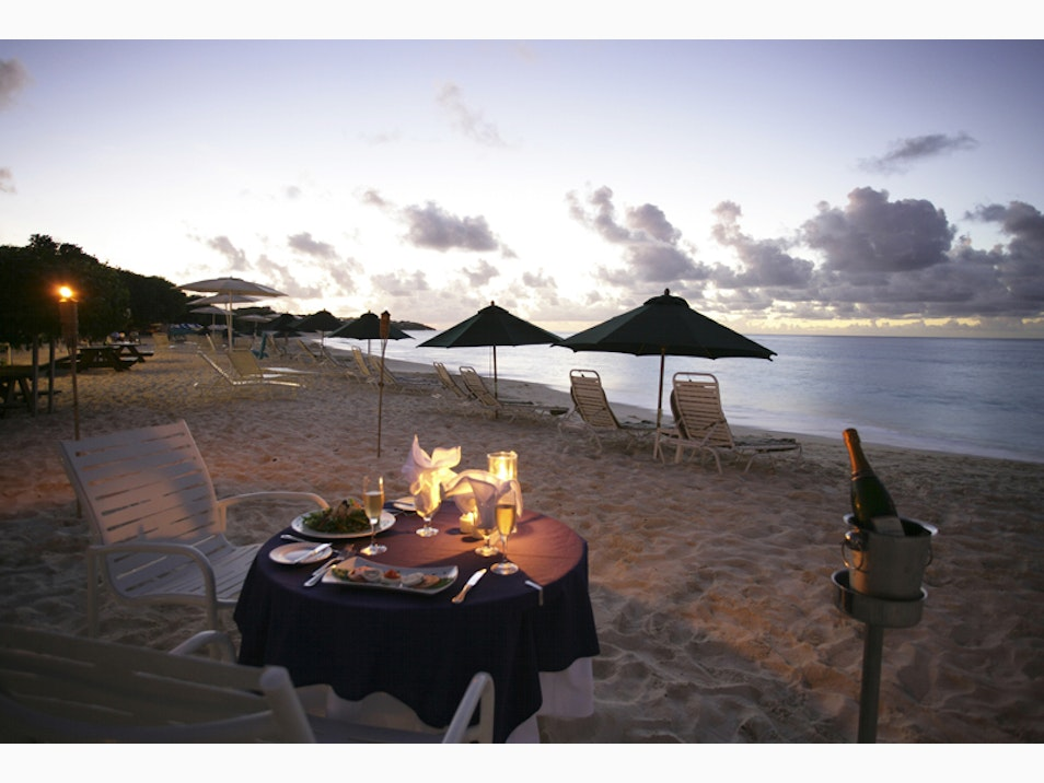 Rustic and Chill Beachside Eats