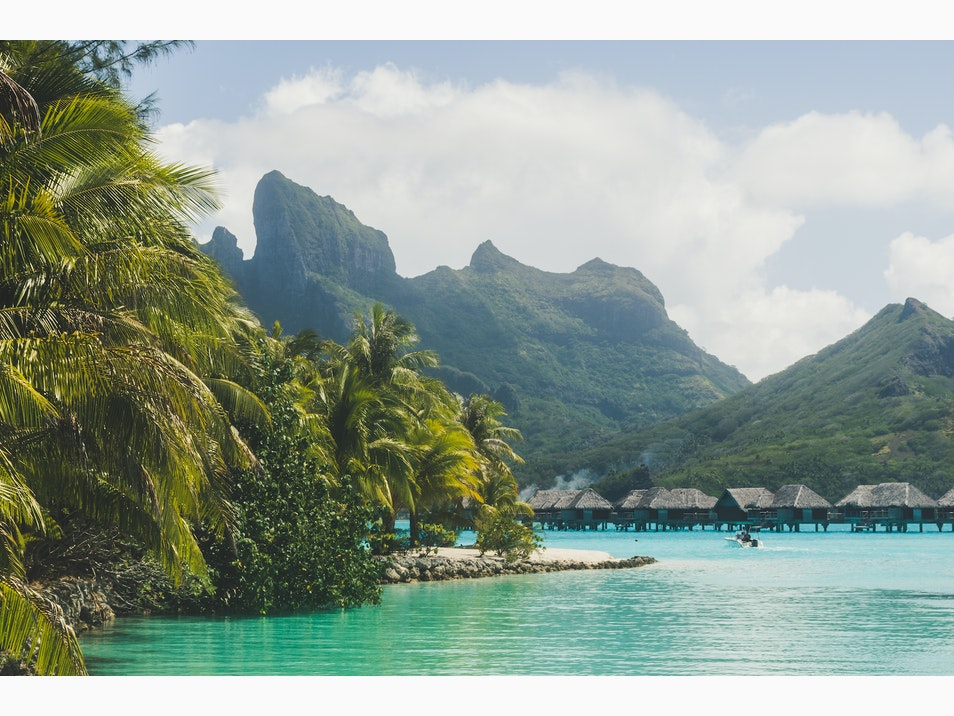 Bora Bora's Iconic Mountains