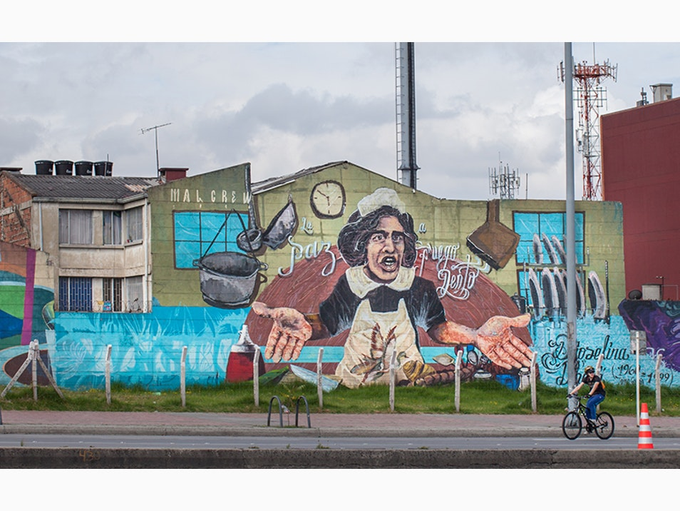 Look-At and Take-Away Art in Bogotá